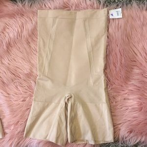 Spanx oncore shaping shorts NWOT
